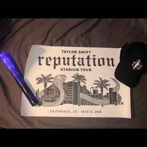 Taylor Swift Poster, Lightstick and Hat